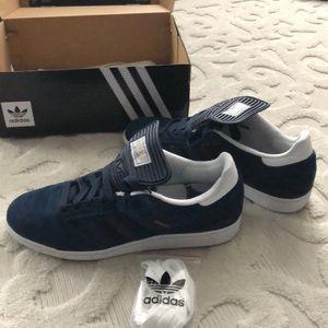 Adidas busenitz size12